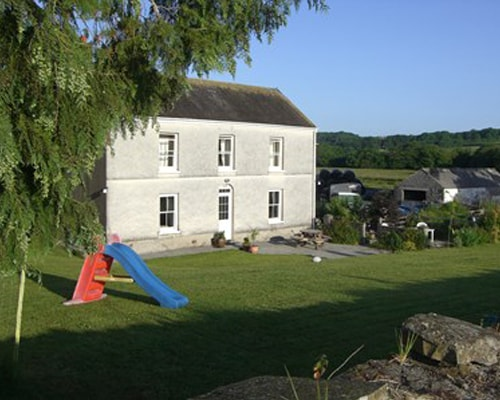 Fferm Glanyrynys Bed and Breakfast