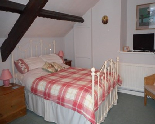 Glascoed Farmhouse Bed and Breakfast